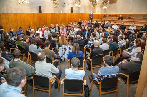 В конференц-зале санатория-профилактория ФЭИ собралась молодежь, не равнодушная к будущему института.